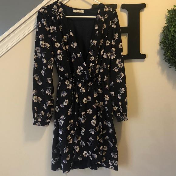 376cd9e48e9 Honey Belle Dresses   Skirts - 🌺 HONEY BELLE boutique wrap dress🌺
